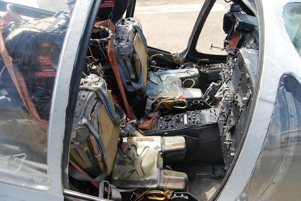 A6A7_004_A6_seat.jpg