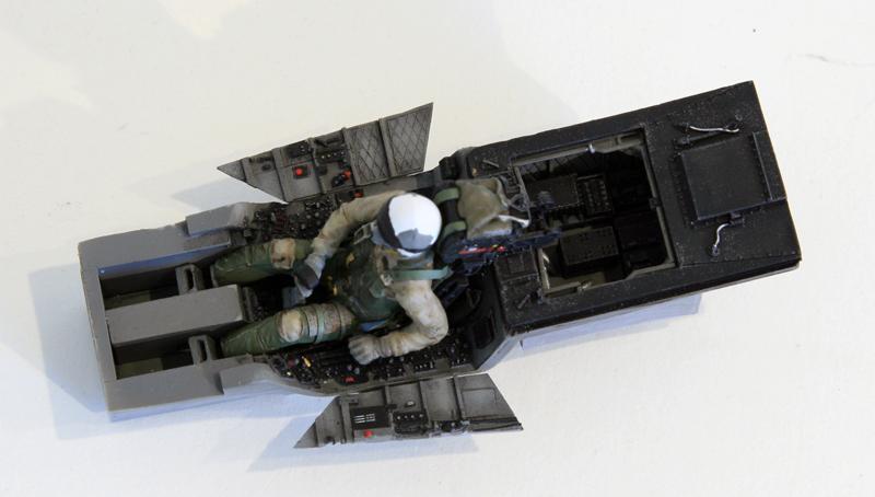 GD_F18C_10cockpit.jpg